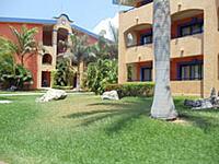 Grand Palladium colonial resort