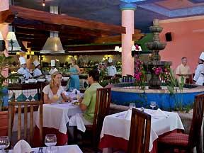 Sandos Playacar Beach Resort Restaurant