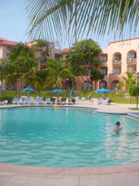 Sandos Playacar Beach Resort & Spa Pool