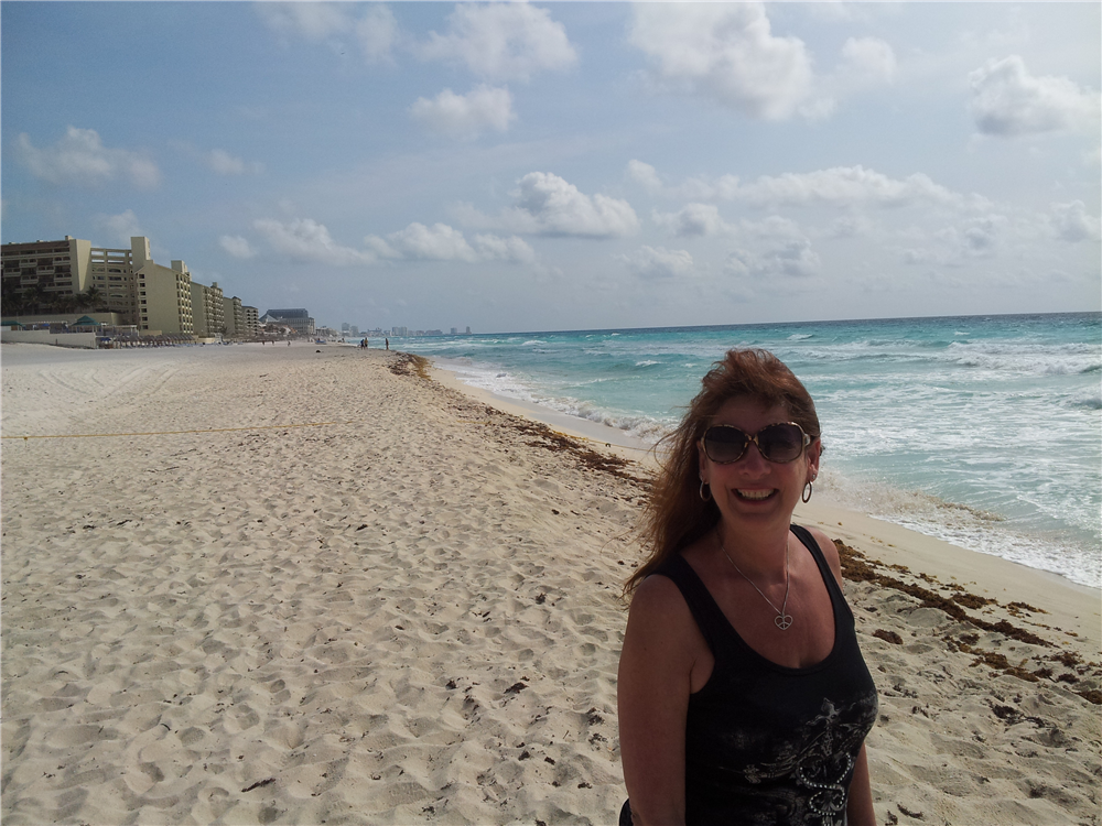 Suzie Sturm from Vacationkids brings us a view of the beautiful beach at Iberostar Cancun