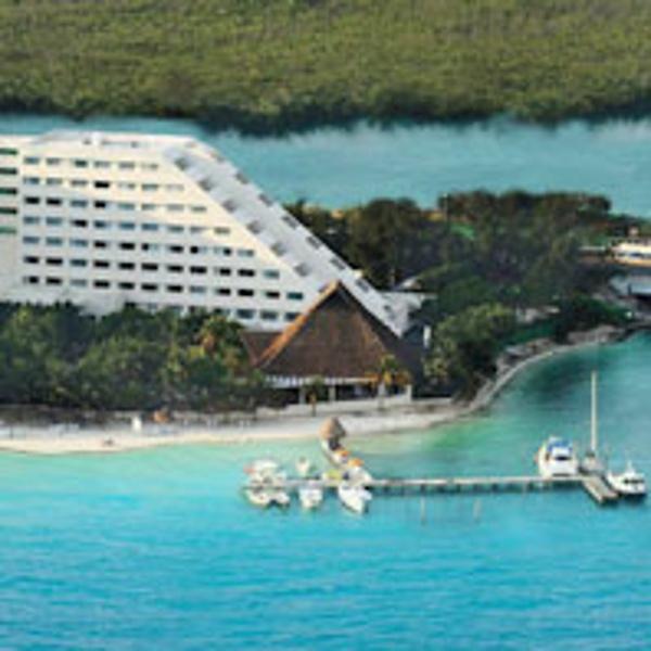 Oasis Palm Beach view of beach and lagoon