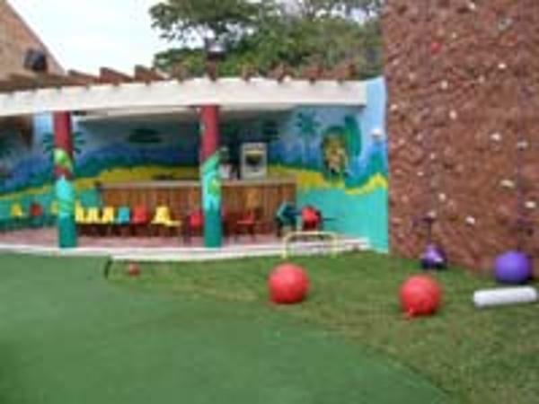 Dreams Hotel Cancun Kids Club