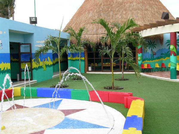Dreams Cancun Kids Club