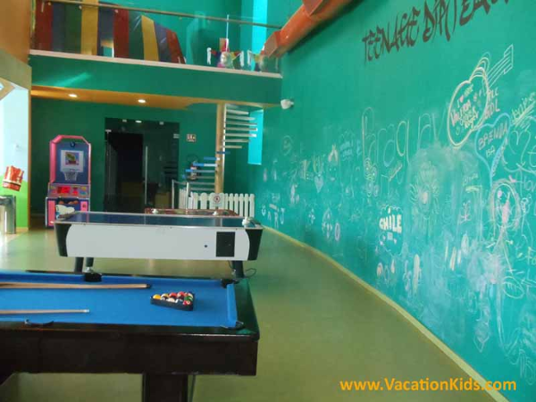 Kids Club games at the Hard Rock Cancun Hotel