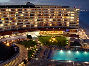Crown Paradise Hotel Cancun evening view of resort grounds