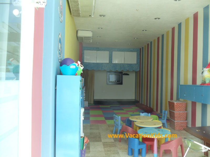 Kids club at the Krystal Hotel Cancun for children ages 4-12