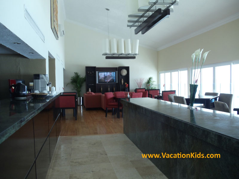 Special lounge for Preferred club guests at the Krystal Hotel Cancun