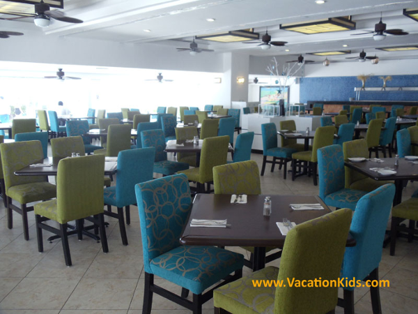 The Krystal Hotel Cancun offers 3 restaurants that all inclusive or European plan guests can enjoy