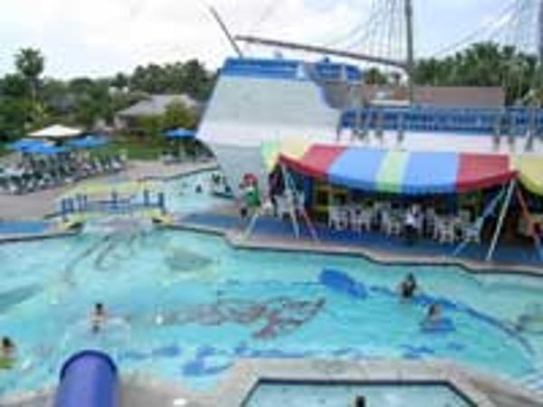 Pirates Waterpark is home to Bobby D's snack bar so you're never far from the action when you need a bit to eat.