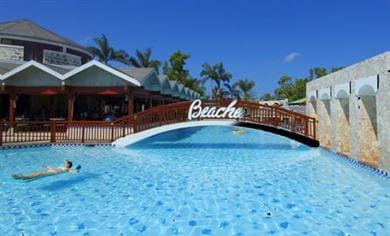 Main Pool and Swim up bar at Beaches Negril