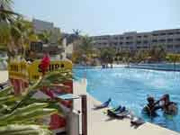 Learn to scuba for free in the pool at Iberostar Rose Hall Beach Resort