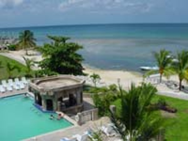 Beautiful pools and white sand beaches await your family at Holiday Inn Sunspree Montego Bay all inclusive family resort