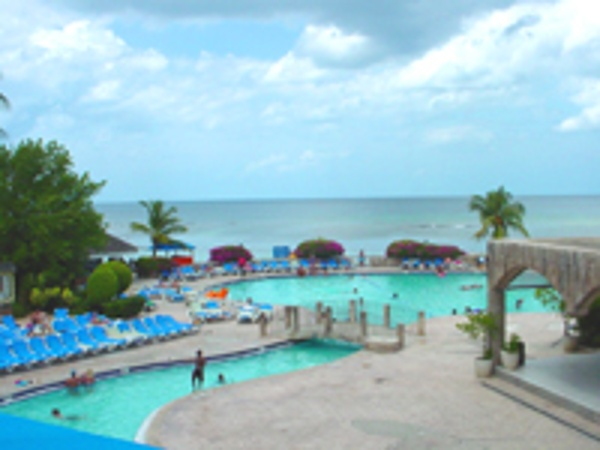 Pools and more pool at Holiday Inn Sunspree Montego Bay