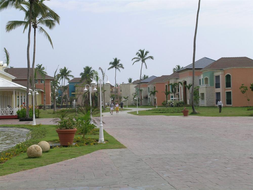 View of guest buildings at Ocean Blue Resort