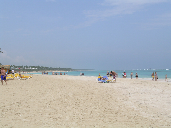GORGEOUS beach for families to enjoy at Ocean Blue and Sand resort in Punta Cana