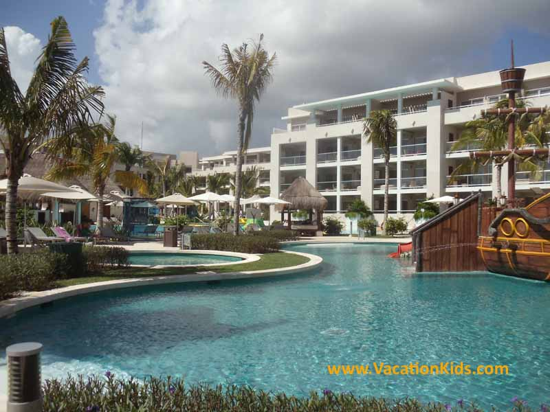 View of the pool and grounds of the Paradisus La Esmeralda