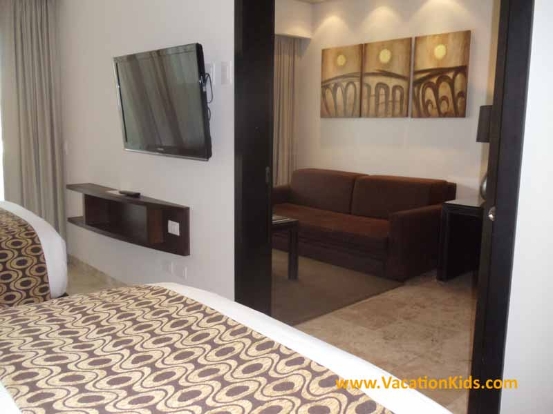1 bedroom suite with privacy door off the bedroom for Parents at the Pardisus La Esmeralda All Inclusive resort