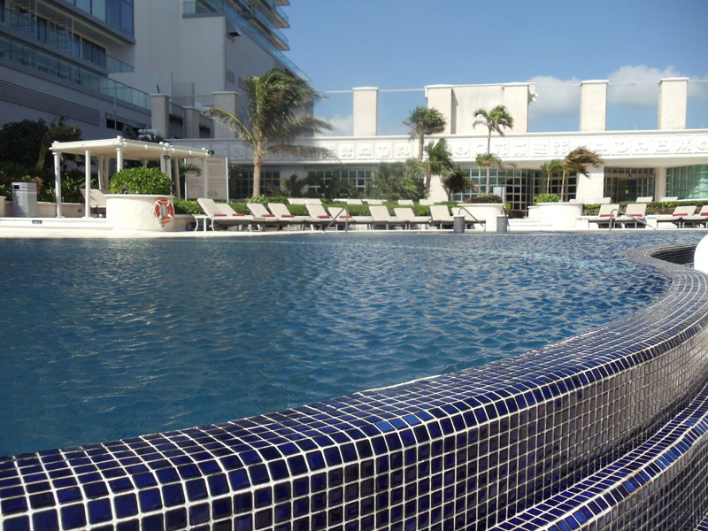 Sandos Cancun offers three endless pools