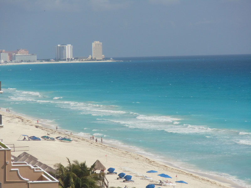 families can enjoy the perfect location at for a wonderful Cancun vacation at Sandos Cancun
