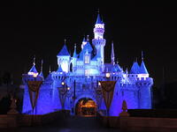 How much Does it cost to go to Disneyland